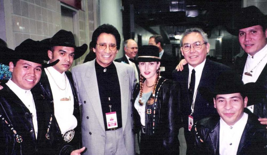 Carlos, E.J. & Alicia Villarreal -Limite