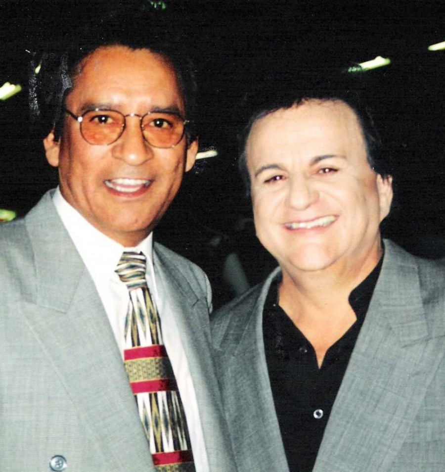 Carlos, Johnny Canales