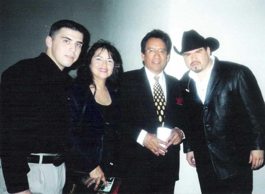 Carlos & Melva Guzman (Center) members of Solido