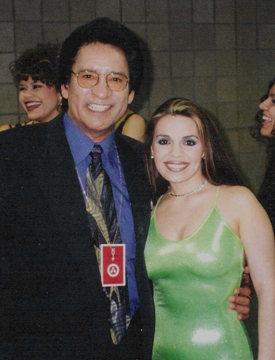 Carlos, Stephannie Montiel