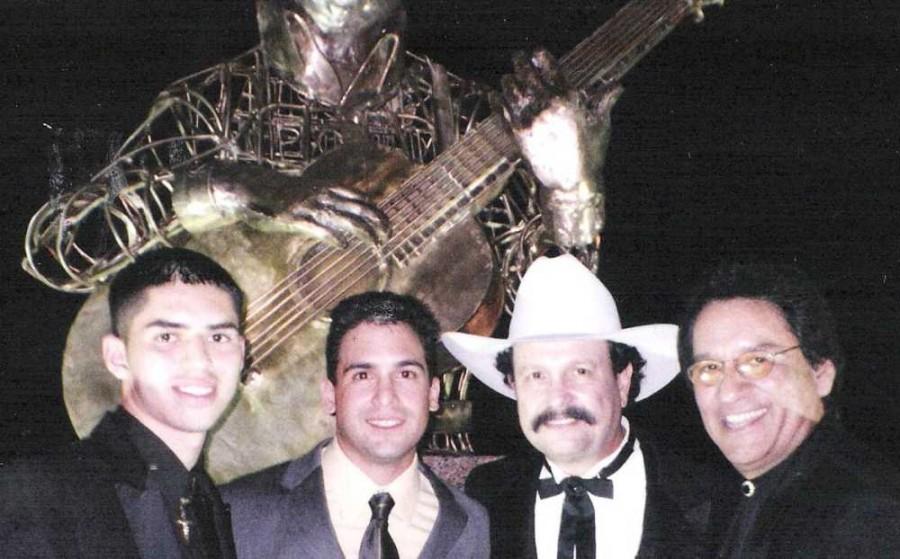 Jorge Guzman, Bobby Pulido, Roberto, Carlos