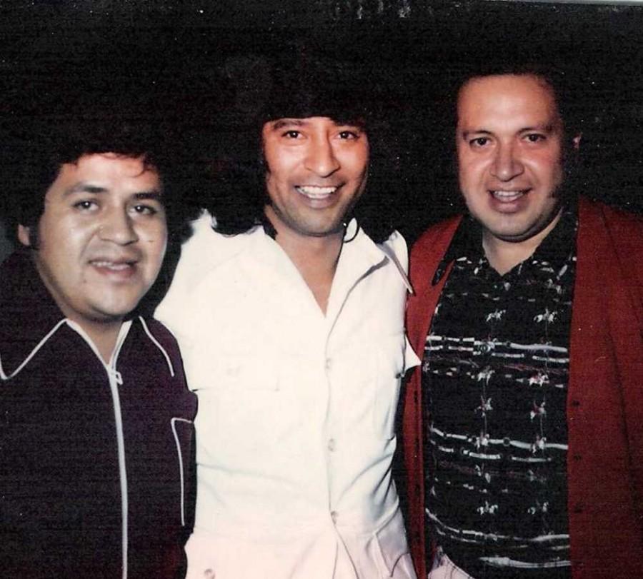 Los Polivoces & Carlos
