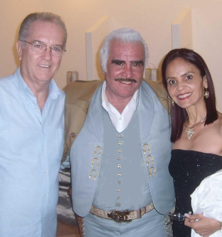 Paul, Vicente, Mariela