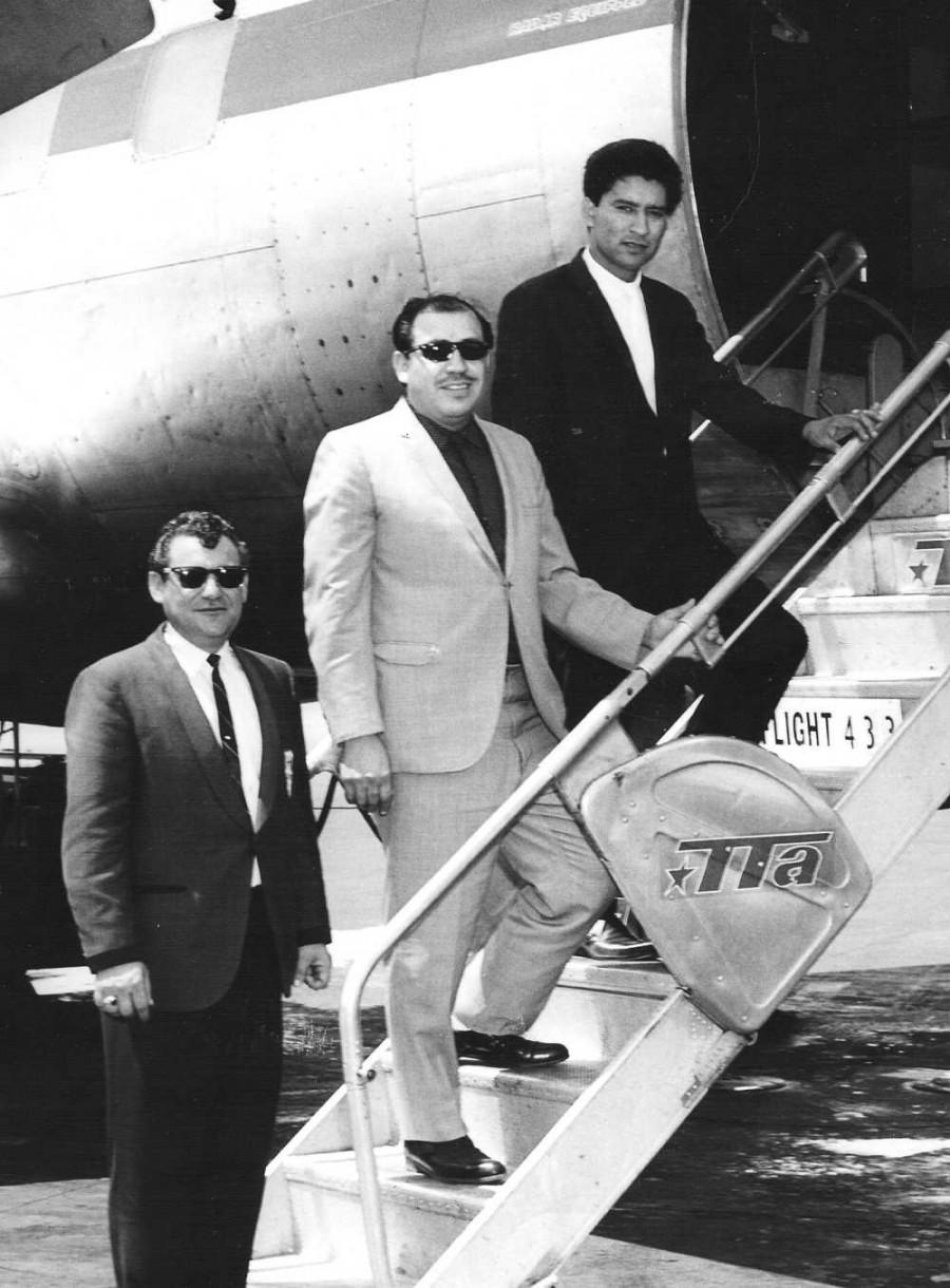 no name, Johnny Gonzalez, Carlos Guzman